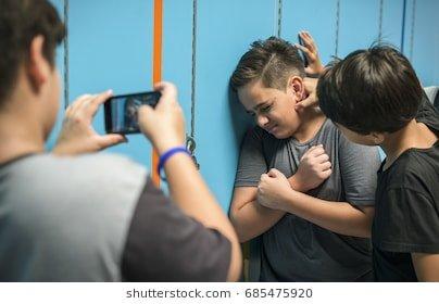 Pesatnya teknologi membuat kasus bullying viral dalam hitungan detik