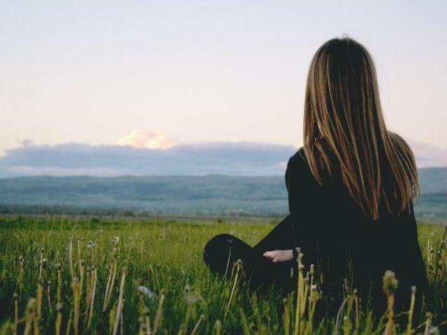 Bila merasa sepi dan sendiri, coba deh bermeditasi